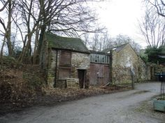 The Cockpit is a small enclave of historic cottages within a short no-thoroughfare, opposite water lane, to the south side of Wirksworth inDerbyshire.