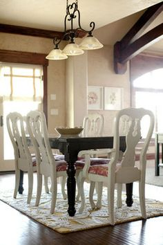 Queen Anne table & chairs painted by me with annie sloan ...