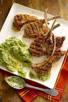 Pea and mint hoummous Chef Recipes, Meat Recipes, Cooking Recipes, Yummy Eats, Yummy Food, My Favorite Food, Favorite Recipes, Fabulous Foods, Sweet And Spicy