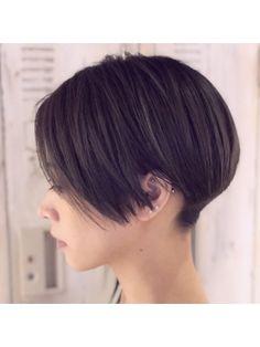 ミヤザキスタイル 刈り上げハンサムベリー【恵比寿】 Asian Short Hair, Short Straight Hair, Asian Hair, Girl Short Hair, Short Hair Cuts, Short Hair Styles, Short Hair Undercut, Undercut Hairstyles, Short Bob Hairstyles