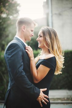 Downtown Savannah, GA engagement session by Izzy Hudgins Photography. See more on Savannah Soiree. http://www.savannahsoiree.com/journal/formal-savannah-engagement