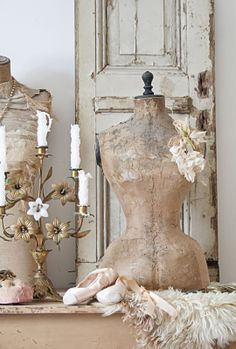 Roses and Rust: The Aesthete's Alphabet - M is for Mannequin