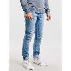 TOPMAN Light Wash Margate Skinny Jeans (505 MXN) ❤ liked on Polyvore featuring men's fashion, men's clothing, men's jeans, blue, mens bleached jeans, mens super skinny jeans, mens skinny jeans, mens light wash jeans and mens blue skinny jeans