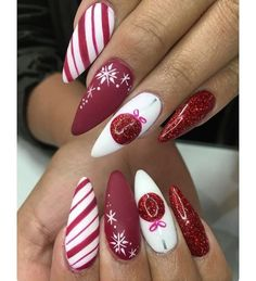28 Most Beautiful and Elegant Christmas Stiletto Nail Designs: If you need some amazing nail art designs for your Christmas nails, you can check out a roundup of our favorite designs to inspire your own holiday creations. Take a look at 28 Most Beautiful Cute Christmas Nails, Xmas Nails, Red Nails, Elegant Christmas, Christmas Manicure, Beautiful Christmas, Christmas Ideas, Christmas Articles, Christmas Acrylic Nails