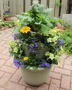 "I tried this ""stacked pots"" idea for my garden."
