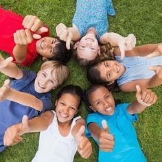 No siempre los niños más listos, con habilidades especiales o especialmente guapos son los más felices, tampoco los que mejor se comportan, los más tranquilos o callados. En ocasiones, aquellos que parecen más reboltosos, inquietos o incluso molestos para los adultos son los más felices