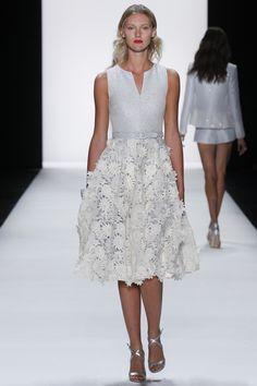 #NYFW #Spring2016 #NewYorkFashionWeek Badgley Mischka Spring 2016 Ready-to-Wear Collection Photos - Vogue