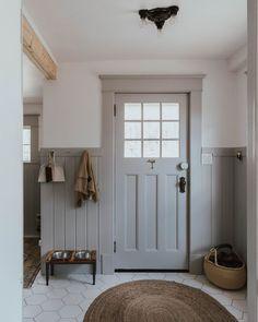 Hallway Ideas Entrance Narrow, Modern Hallway, Modern Bathroom, Farmhouse Interior, Farmhouse Plans, Farmhouse Decor, Farmhouse Trim, Modern Farmhouse, Farmhouse Style