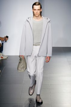 http://www.vogue.com/fashion-shows/spring-2017-menswear/jil-sander/slideshow/collection