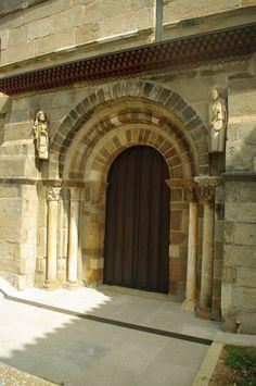 Fotos de : Zamora  - Románico - Tera - Ig. Sta. Marta   y Edificio neocl...