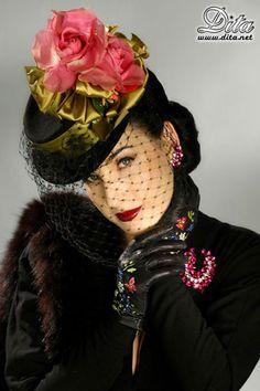 #Dita #Le Chapeau