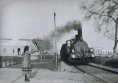 Olhão Antigo - Passagem de nível com guarda na Av. da República Portugal, Algarve, Lisbon, Old Photos, Boat, Country, Vintage, Youth, Cities