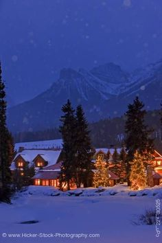 Post Hotel...Lake Louise Canada