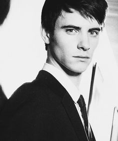 harry lloyd would have been a perfect tom riddle. Harry Lloyd, Most Handsome Men, British Actors, Celebs, Celebrities, Male Face, Beautiful Men, Beautiful People, Character Inspiration
