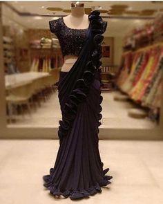 Black Saree Designs, Half Saree Designs, Fancy Blouse Designs, Saree Blouse Designs, Fancy Sarees Party Wear, Saree Designs Party Wear, Party Wear Dresses, Blouse Designs Catalogue, Sari Design