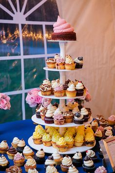 What a sight! Second only to the blushing bride | Photo credit: Dana Cubbage Weddings, wedding cupcakes: Cupcake DownSouth #weddingcupcakes