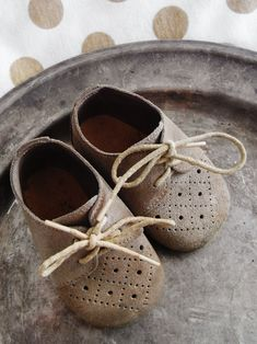 Wonder what sweet baby feet wore these vintage shoes~❥  via Linda Freeman