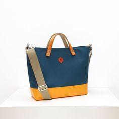 ショルダートートミネラルブルー x オレンジ  - - -   6/2930  #クリエーターズマーケット  ポートメッセなごや D-176177  - - -         #jiyoh #jiyohbag #jutsubi #designstore #bags #kyoto #madeinkyoto #handcrafted #handmade #handmadebag #craftsmanship #canvasbag #totebag #bagmaker #minimaldesign #blueandorange #ジヨウ #ジュツビ #京都 #帆布 #帆布バッグ  #トートバッグ #2wayバッグ #ハンドメイド #クリマ 2way, Bags, Fashion, Handbags, Moda, Fashion Styles, Fashion Illustrations, Bag, Totes