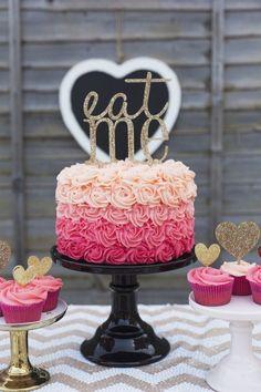 Bolo // Inspiração // Rosas // Degrade // Lindo // Cupcakes // eat me // <3