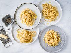 Spaghetti Cacio e Pepe - Rezepte Spaghetti, Valeur Nutritive, Pasta, Cooking, Ethnic Recipes, Food, Nice, Al Dente, Kitchen Workshop