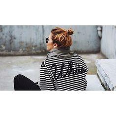 Ponestane li vam inspiracije za svakodnevne frizure, poigrajte se punđom na sto načina, i to uz ideje poznatih glumica i blogerica na Journal.hr. #bun #messybun #hairstyle #cool #simple #inspiration #majawyh #journalhr  @majawyh