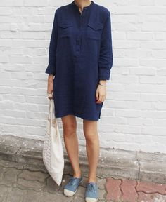 (Death by Elocution) Love this shirt dress - great summer breastfeeding outfit.Love this shirt dress - great summer breastfeeding outfit. Looks Street Style, Looks Style, Look Fashion, Fashion Outfits, Womens Fashion, Fashion Trends, 80s Fashion, Korean Fashion, Fashion Tips