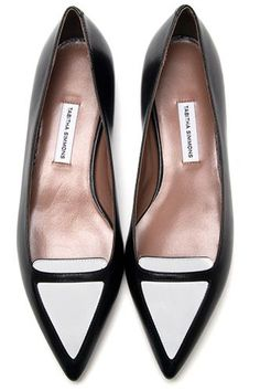 Shop designer loafers for women at Farfetch and find Gucci, Tod's and Bally – both classic and contemporary. Boat Fashion, Fashion Shoes, Luxury Fashion, Fab Shoes, Me Too Shoes, How To Have Style, Loafer Shoes, Shoes Sandals, Sperry Top Sider Shoes