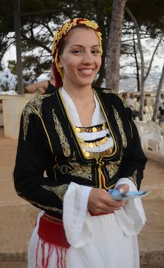 Local fashion: Coin jewelry from around the world Cretan Traditional Costume. Greek Traditional Dress, Traditional Fashion, Traditional Outfits, Ukraine, Greek Culture, Dress Attire, Greek Clothing, Coin Jewelry, Folk Costume