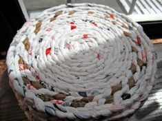 Make a Basket Out of Plastic Bags : 11 Steps (with Pictures) - Instructables Reuse Plastic Bags, Plastic Bag Crafts, Plastic Bag Crochet, Plastic Baskets, Plastic Bottles, Plastic Spoons, Upcycled Crafts, Recycled Art, Recycled Clothing