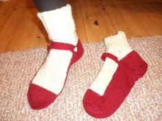 Balleriina-sukat Nalle-langasta Ballerina, Socks, Fashion, Stockings, Moda, Ballet Flat, Fashion Styles, Ballerinas, Sock