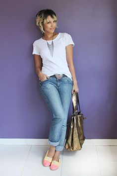 jeans; white t-shirt; yellow shoes