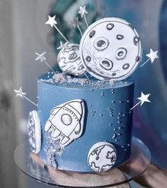 Toddler Birthday Themes, First Birthday Party Themes, Kids Party Themes, Birthday Treats, Birthday Diy, Pretty Cakes, Cute Cakes, 1st Bday Cake, Astronaut Party