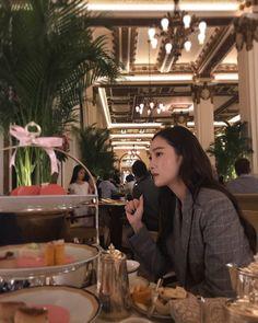 "77.9k lượt thích, 1,320 bình luận - Jessica Jung (@jessica.syj) trên Instagram: ""Afternoon tea  What's your favorite kind of tea? ( I have so many)"""