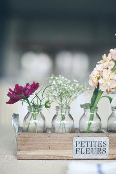 Vintage Gathering Wedding Flowers: rustic table decoration or centrepiece idea. Floral Centerpieces, Wedding Centerpieces, Wedding Table, Floral Arrangements, Diy Wedding, Rustic Wedding, Wedding Hacks, Wedding Flowers, Wedding Decorations