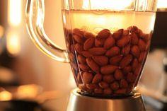 Mandľové mlieko: jeho výhody a domáca výroba