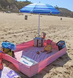 With a baby on the beach: 5 brilliant tricks for Mit Baby am Strand: 5 geniale Tricks für Eltern Too hot, too sandy, too dangerous? With these tricks and ideas you will have more fun with the baby on the beach and on vacation.