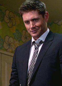 That face is so kissable. Jensen Ackles Supernatural, Jensen Ackles Jared Padalecki, Supernatural Funny, Smallville, Dean Winchester, Daneel Ackles, Jung Suk, Misha Collins, Jeffrey Dean Morgan