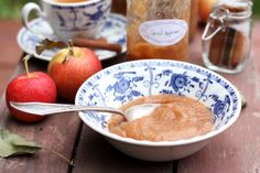 My new favorite thing to preserve with my new favorite kitchen appliance. Win a slow cooker and make your own spiced applesauce, thanks to Hamilton Beach. Homemade applesauce is currently my favorite thing about this fall. Slow Cooker Recipes, Crockpot Recipes, Cooking Recipes, Freezer Recipes, Slow Cooking, Freezer Meals, Crockpot Sunday Dinner, Sunday Dinners, Slow Cooker Pressure Cooker