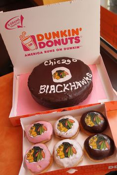It's time to make the donuts! Who could come to Chicago see the Blackhawks and not eat at Dunkin' Donuts? Blackhawks Hockey, Hockey Puck, Hockey Teams, Chicago Blackhawks, Hockey Mom, Chicago Hockey, Chicago Runs, Hockey Cakes, Hockey Party
