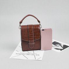 Women Crocodile Pattern Chain Phone Purse Leisure PU Leather Crossbody Bag is designer, see other cute bags on NewChic. Leather Crossbody Bag, Pu Leather, Macbook Bag, Cute Bags, St Kitts And Nevis, Womens Flats, Crocodile, Purses, Chain