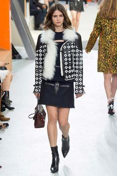 Louis Vuitton fall-winter 2015-2016 #collection #fashion #PFW #moda #fashionwomancom