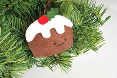 Christmas Pudding DIY Ornament | Try making an ornament inspired by this traditional British Christmas treat with your kids this holiday season!