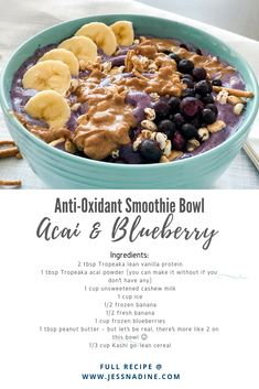 If you want to switch up your smoothie bowl routine and love anti-oxidants (who doesn't) then check out this baby! It's packed with all the goods and pretty good on the calorie side ; Healthy Burger Recipes, Quick Healthy Meals, Healthy Dessert Recipes, Nutritious Meals, Breakfast Recipes, Easy Meals, Frozen Blueberries, Frozen Banana, Breakfast Lunch Dinner