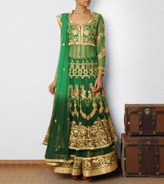Gorgeous green and gold reception outfit!... guess this is a trend right now