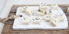 Ingredients 3 1/2 tablespoons I Quit Sugar Gut Lovin' Gelatin. 1/2 cup almond milk. 1/4 cup full-fat coconut milk. 2 drops lavender essence. 3–4 drops liquid stevia. 1 teaspoon dired lavender. Directions 1. Dissolve the…