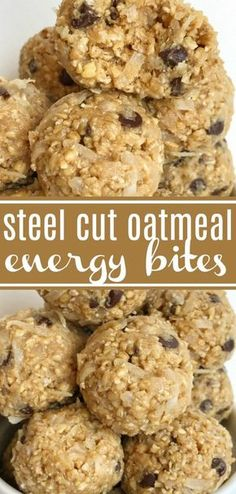 Steel Cut Oatmeal Energy Bites Steel Cut Oat Energy Balls are an easy 5 ingredient healthy snack Steel cut oats honey peanut butter chocolate chips and coconut Energy bites are the perfect afternoon snack healthyrecipe snack Protein Snacks, Oats Snacks, Peanut Snacks, Oatmeal Energy Bites, No Bake Energy Bites, Healthy Energy Bites, Protein Bites, Energy Bars, Peanut Butter Oatmeal