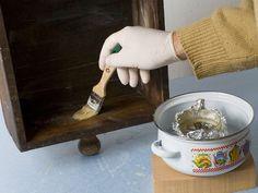 Restaurar nuestros muebles no es tan difícil como parece. Toma nota de estos trucos que te ayudarán.