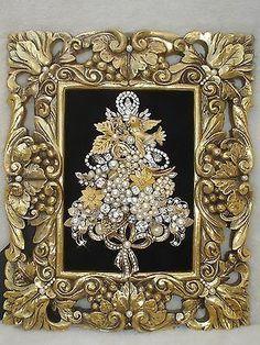 VINTAGE JEWELRY FRAMED CHRISTMAS TREE ~ ELEGANT RHINESTONES / PEARLS