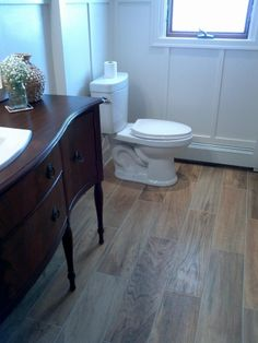 flooring that looks like wood | Porcelian tile that looks like wood floors!!! LOVE THIS!