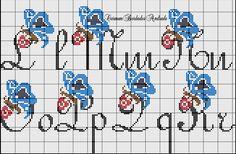 Monograma Borboleta em Ponto Cruz